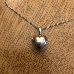 VINTAGE (sterling) PUFF💙LOCKET 18'chain
